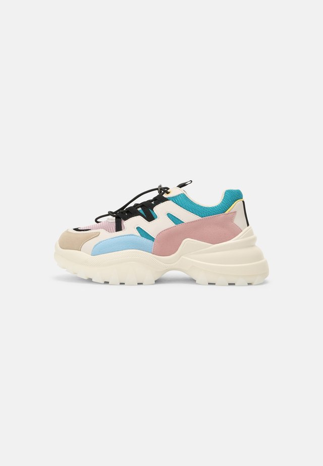 CHUNKY TRAINERS - Sneakers laag - multicolor