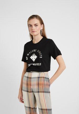 NAYAH - T-shirts print - black / silver