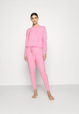 SUPER SOFT CREW PANT SET - Pyjama set - strawberrymilkshake marle