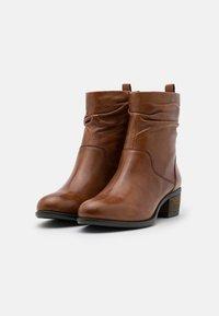 Steven New York - DUSTIN - Kotníkové boty - cognac - 2
