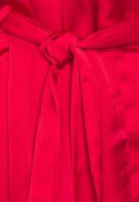 Hunkemöller - KIMONO JENNIFER - Dressing gown - tango red - 2