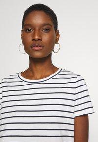 Esprit - Print T-shirt - off white - 3