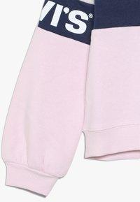Levi's® - COLORBLOCKED CREW - Sweatshirt - light grey heather - 2