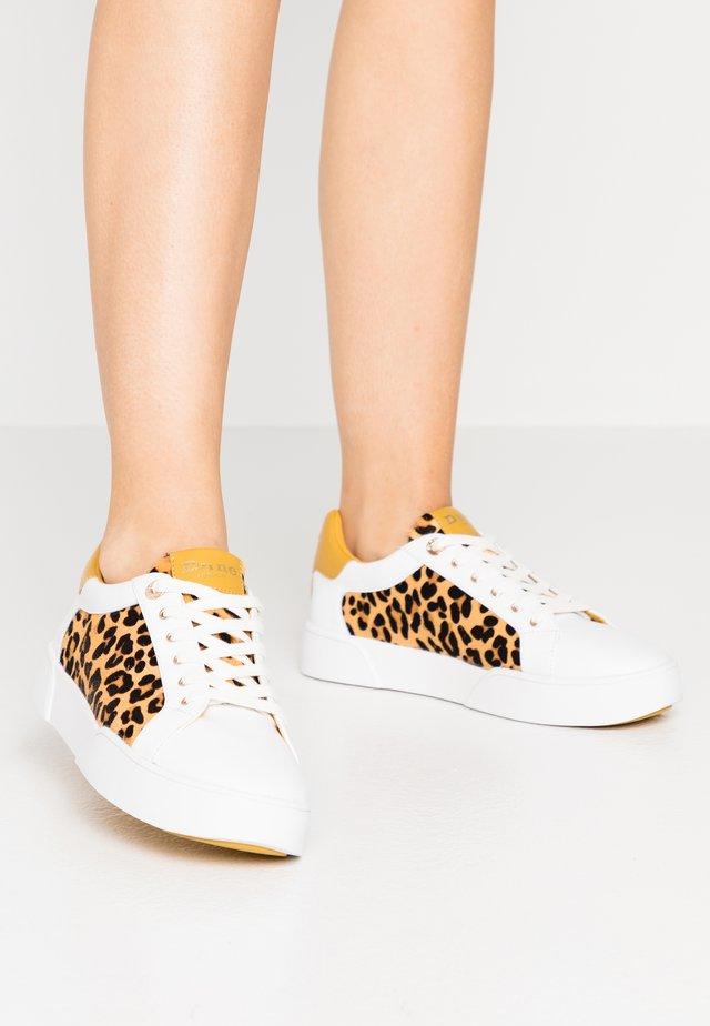 ELLENIE  - Sneakers - yellow