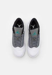 Jordan - MAX AURA 2 - Høye joggesko - white/black/neptune green/smoke grey - 3