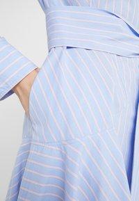 Steffen Schraut - BELLE SUMMER DRESS - Shirt dress - miami stripe - 8