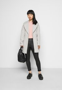 Miss Selfridge Petite - WRAP COAT - Abrigo - grey - 1