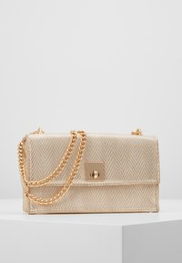 New Look - CHEEKY CHARM CHAIN SHOULDER - Sac bandoulière - stone - 0