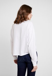 Hollister Co. - LONG SLEEVE DESTINATION - Top s dlouhým rukávem - white - 2
