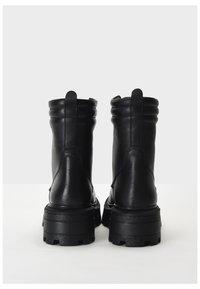 Inuovo - Platform ankle boots - black blk - 3