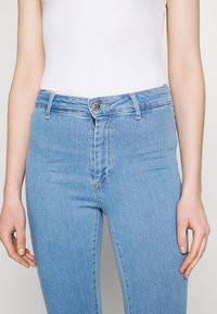 ONLY - ONLBLUSH  - Jeans Skinny Fit - light blue denim - 5