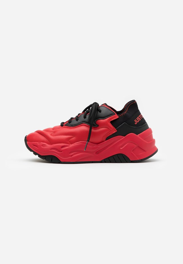 CONTRAST LOGO - Sneakers laag - grenadine red