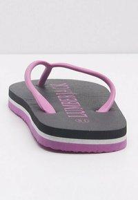 Lumberjack - Slippers - purple - 2