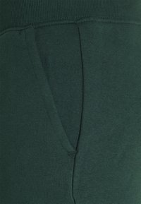 Pier One - Teplákové kalhoty - dark green - 8