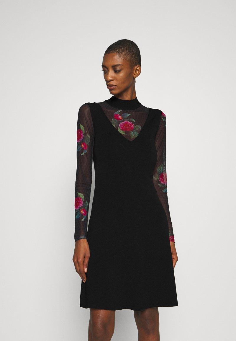 Desigual - VEST TOKIO - Strikket kjole - black