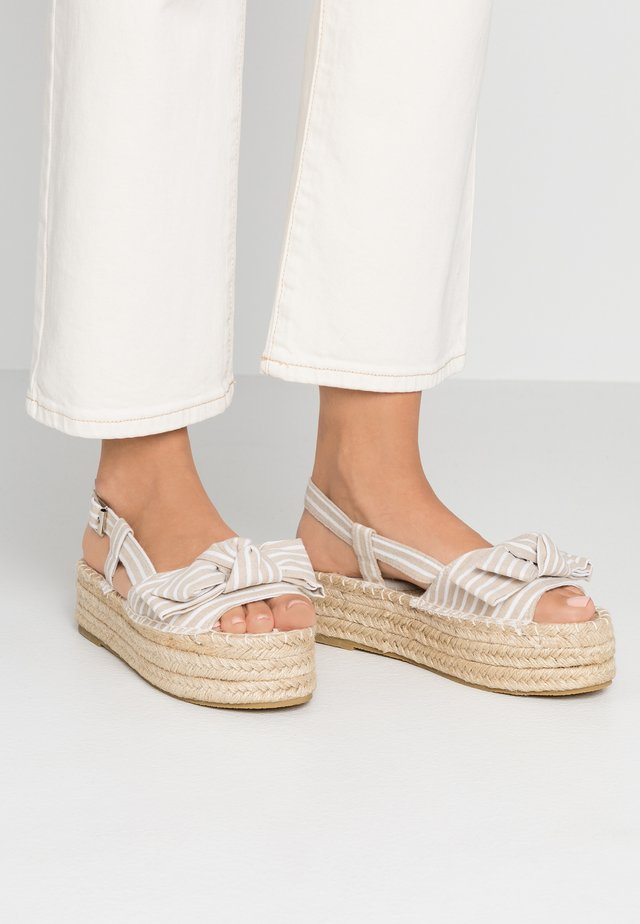 STRIPE KNOT FRONT  - Platform sandals - natural