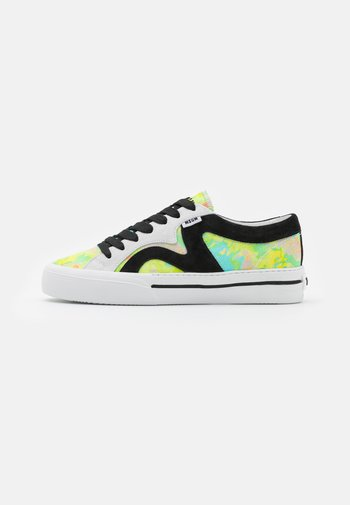 SCARPA DONNA - Trainers - yellow