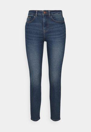 PCHIGHFIVE - Skinny džíny - medium blue denim