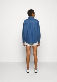 Claudie Pierlot - COQUILLAGE - Košile - jean - 2
