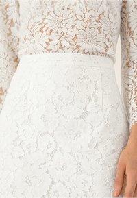 IVY & OAK BRIDAL - Pencil skirt - snow white - 3