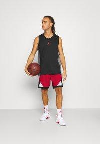 Jordan - DRY AIR DIAMOND SHORT - Pantaloncini sportivi - gym red/black/white - 1