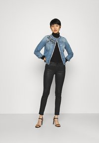 Liu Jo Jeans - GIACCA KATE - Denim jacket - light blue denim