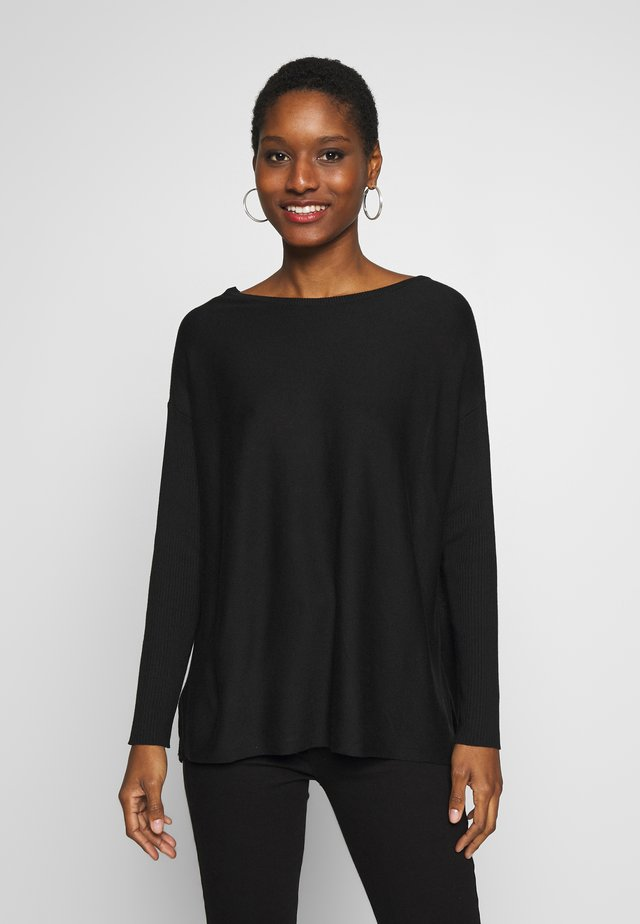 BASIC- RELAXED BOAT NECK JUMPER - Strickpullover - black