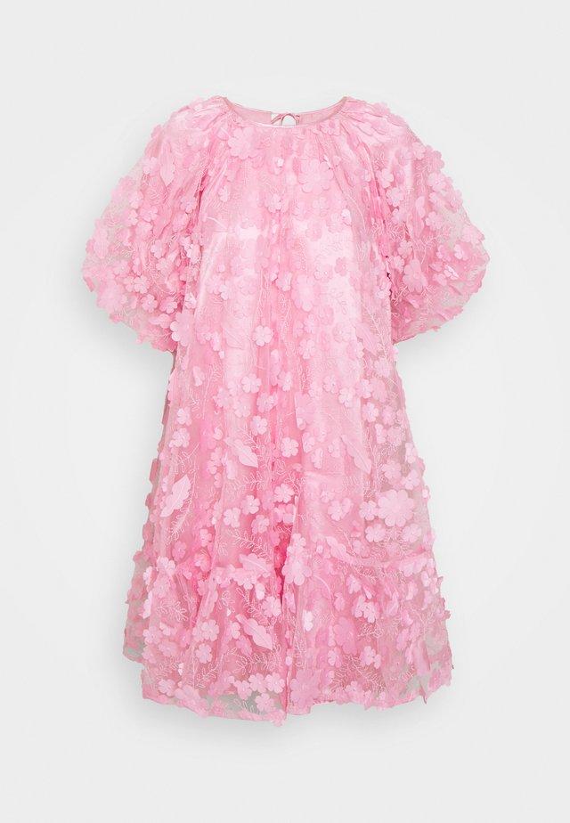 SLFALBERTA DRESS - Cocktailkjoler / festkjoler - prism pink