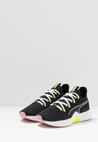 Puma - INCITE FS SHIFT - Chaussures d'entraînement et de fitness - black/bridal rose - 2
