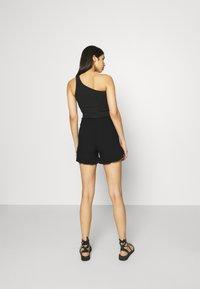 ONLY - ONLNOVA LIFE FRILL - Shorts - black - 2