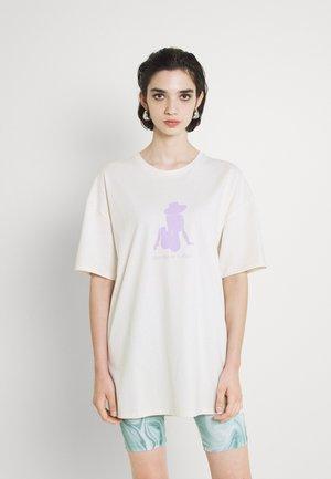 WELLNESS PRINT OVERSIZED - Print T-shirt - off white