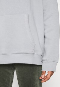 Nly by Nelly - OVERSIZED HOODIE - Sweat à capuche - gray/blue - 6