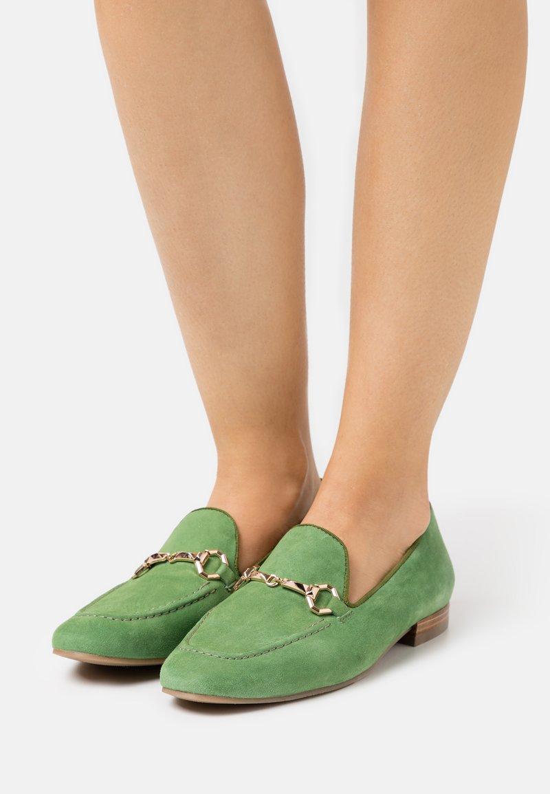 Pedro Miralles - Nazouvací boty - amalfi menta