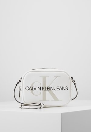 SCULPTED MONOGRAM CAMERA BAG - Sac bandoulière - white