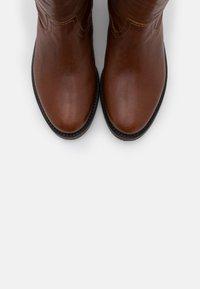 Apple of Eden - KAREN - Vysoká obuv - cognac - 5