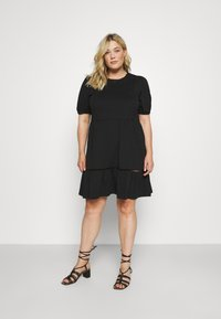 Vero Moda Curve - VMOILA ABOVE KNEE DRESS - Žerzejové šaty - black - 0