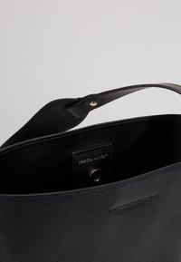 Rebecca Minkoff - UTILITY  BUCKET - Handbag - black - 4