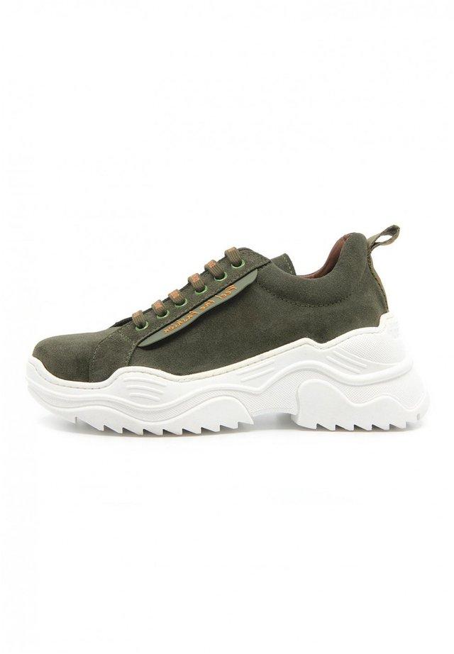 ENERGY - Sneakers basse - verde oscuro