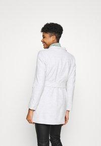 Forever New - VIVIENNE SHORT WRAP - Short coat - grey marle - 2