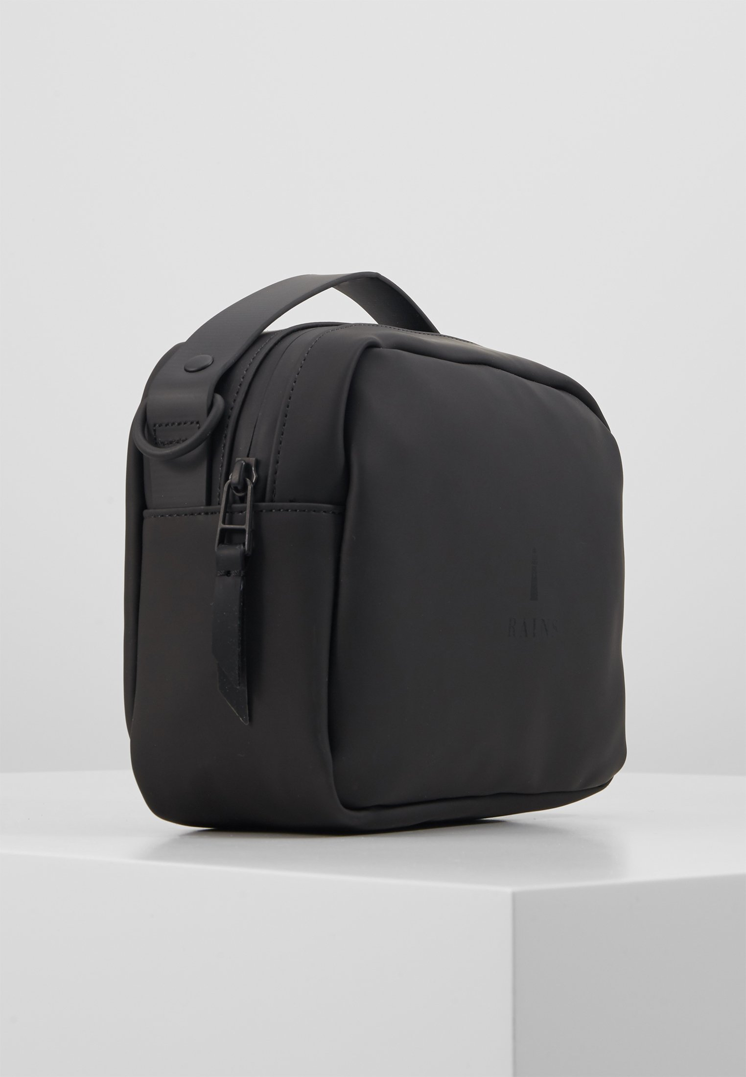 BOX BAG Handväska black