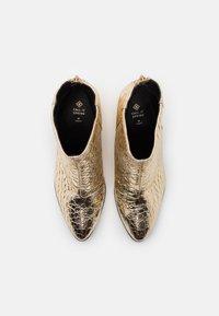 Call it Spring - VEGAN JULIEANNE - Boots à talons - gold - 5