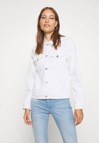 Calvin Klein - CLASSIC JACKET - Džínová bunda - white denim - 0