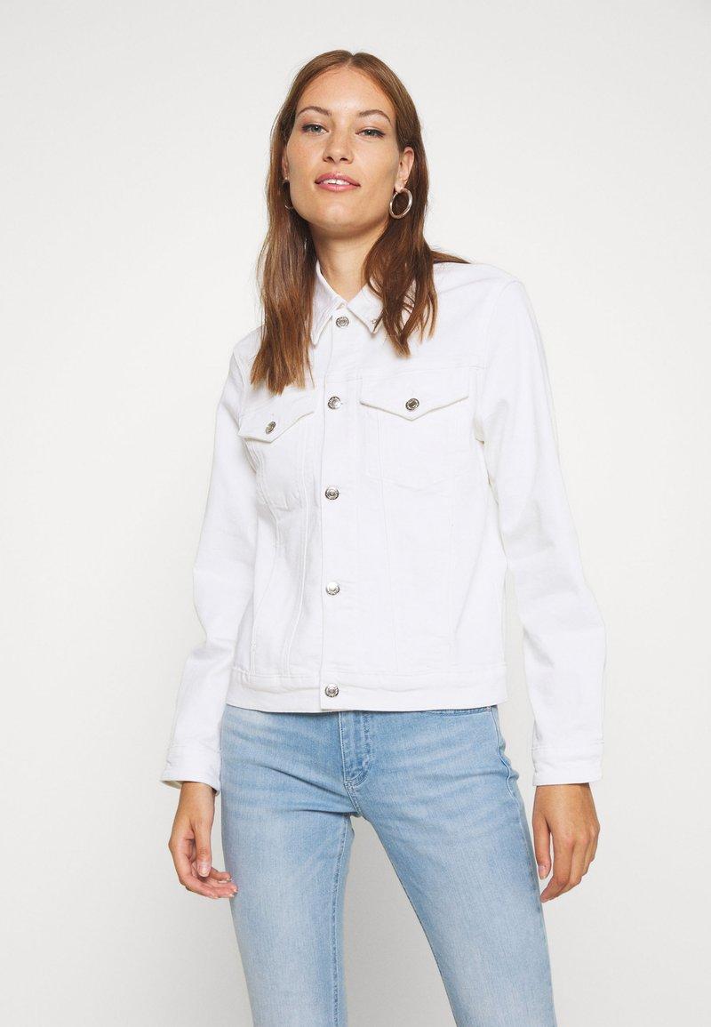 Calvin Klein - CLASSIC JACKET - Džínová bunda - white denim
