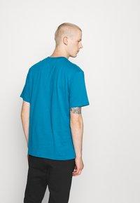 Hoodrich - CORE - Print T-shirt - blue - 2