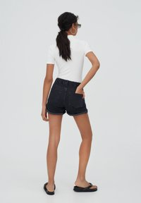 PULL&BEAR - Shorts di jeans - black - 2