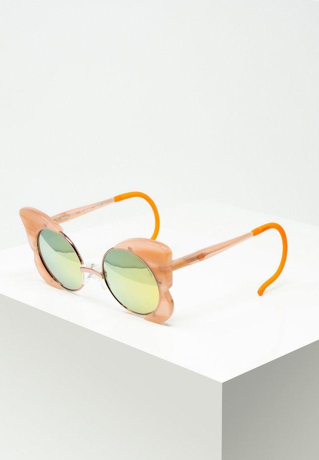 LUISA - Sunglasses - milk.peach