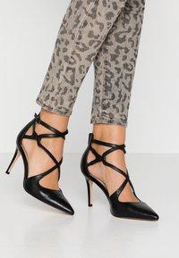Anna Field - LEATHER HIGH HEELS - Zapatos altos - black - 0