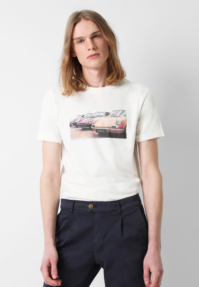 WITH PHOTOGRAPHIC  - T-shirt med print - off white
