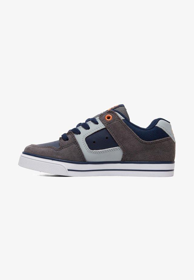 PURE - Sneaker low - grey/dark navy