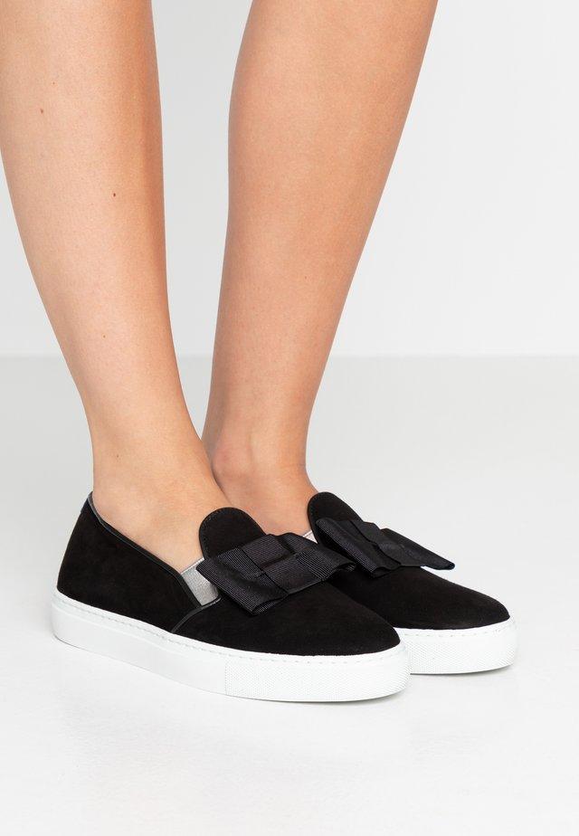 FRANCOIS FLAT BOW - Nazouvací boty - black
